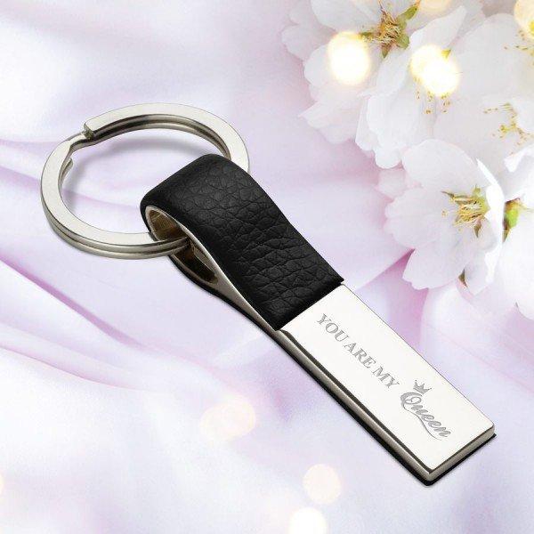 Schlüsselanhänger mit Gravur - Nägelschonend